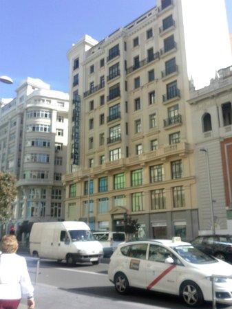 Regente Hotel: Vista hotel dalla Gran Via