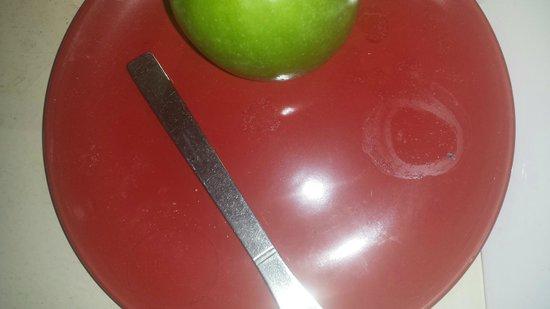 The Bridge Hotel: Fruit plate