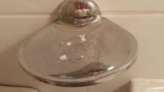 The Bridge Hotel: Mystery white stuff on the soap dish