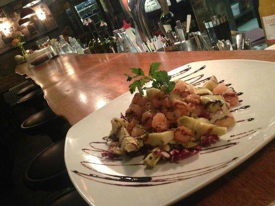 Vicolo Cucina italiana: food at the bar