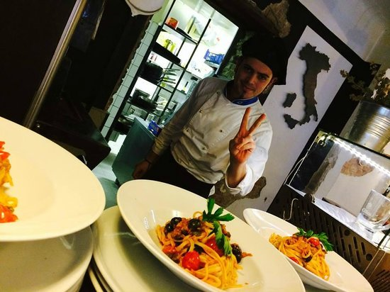 Vicolo Cucina italiana: Antonio loves what he cooks