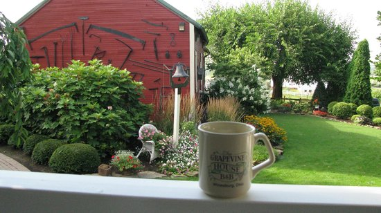 The Grapevine House Bed and Breakfast: A cup of coffee on us as you enjoy the view