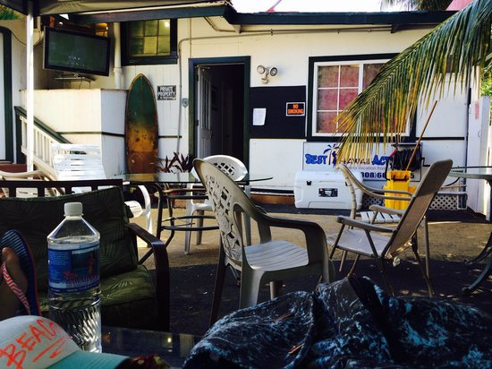 Lahaina's Last Resort Hostel: Common area