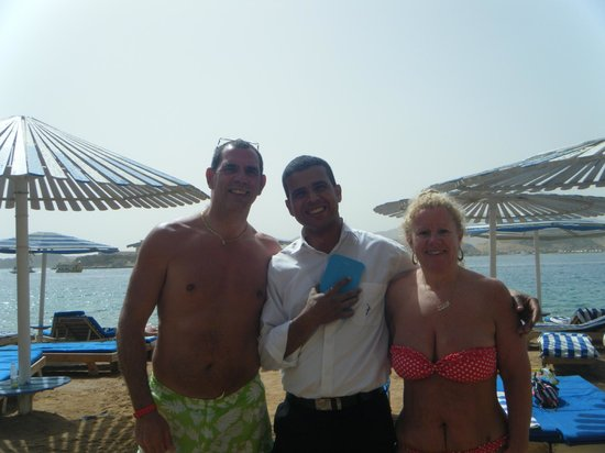Beach Albatros Sharm: Beach bar with Mohhamad