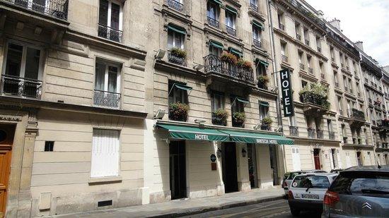 Hotel Brescia Opera : Отель расположен на небольшой улочке