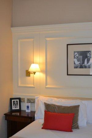 Hotel de Londres y de Inglaterra: Interior habitación