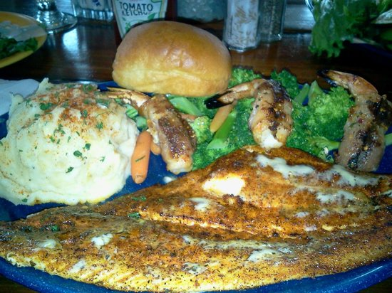 Virginia's On The Bay : Flounder and bacon wrapped shrimp