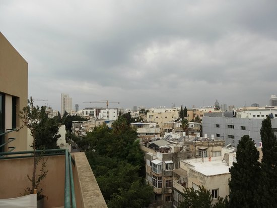 The Diaghilev, LIVE ART Suites Hotel: Вид с балкона(верхний этаж).