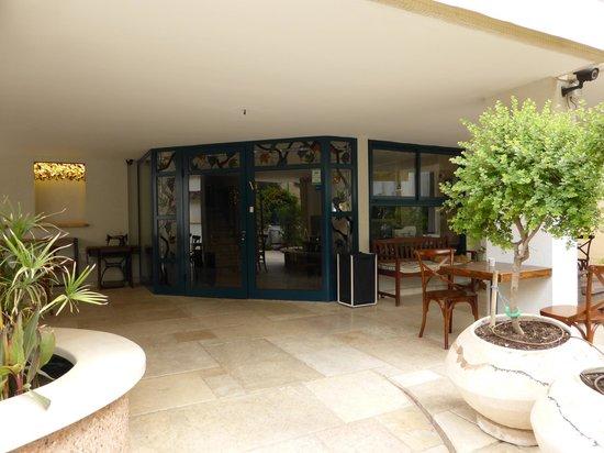 Arbel Suites Hotel: Vue réception