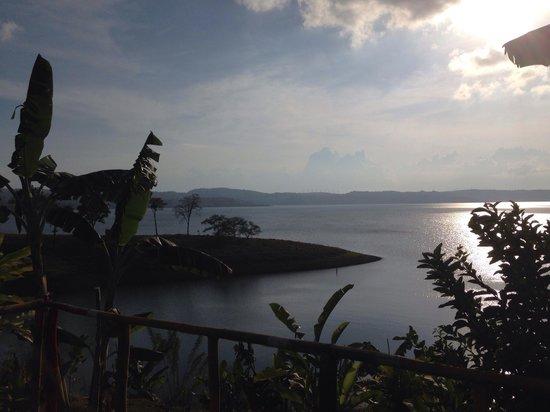 Restaurante sobre el Lago Tinajas Arenal: Great view