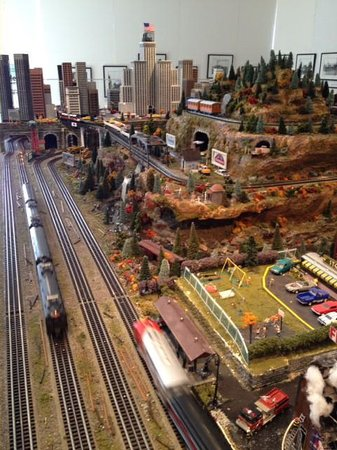 Morris Museum : Train Exhibit