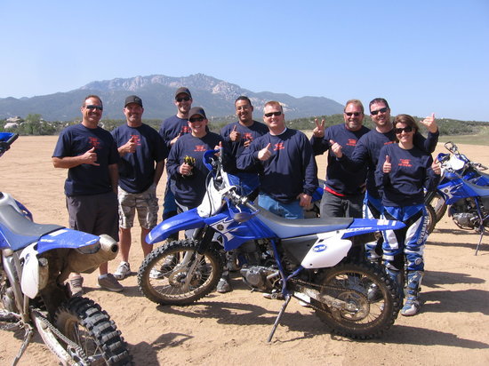 MotoVentures: Business groups Day In The Dirt