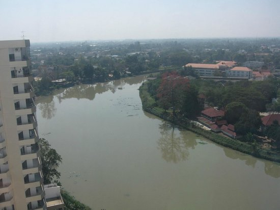 Holiday Inn Chiang Mai: River view from window