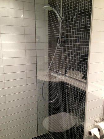 Park Inn by Radisson Copenhagen Airport: Great shower