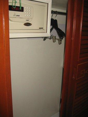 Holiday Inn Chiang Mai : Closet