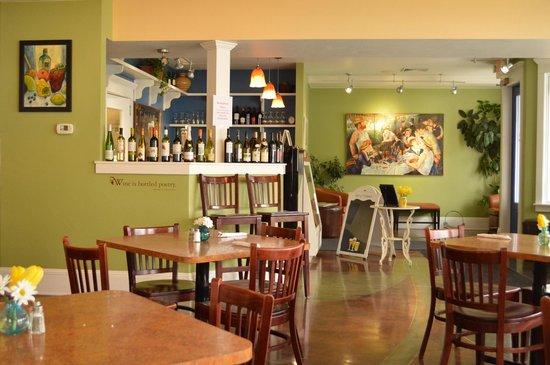 Bluefront Cafe: interior