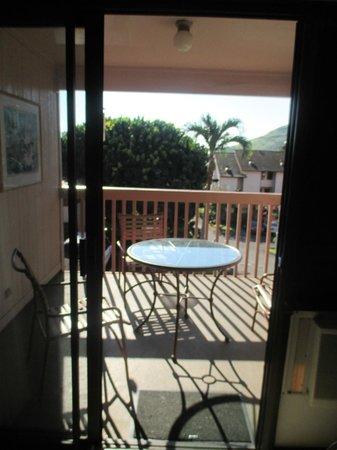 Banyan Harbor Resort: View out sliding door/balcony