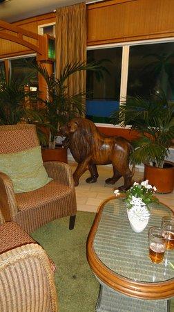 Cumulus Resort Eden: в фойе отеля