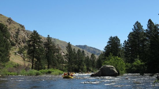 A Wanderlust Adventure: Put In for our Taste of Whitewater Trip