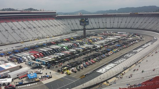 Bristol Motor Speedway: VIEW BEFORE THE RACE (WITH NOBODY IN )
