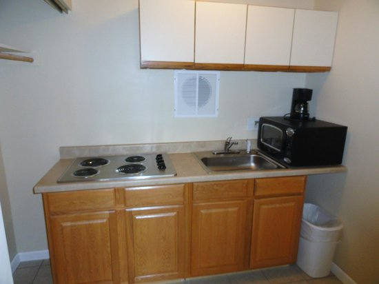 Sea Palace Motel: Efficiency-Kitchen