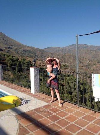 Casa Rural Cortijo Valavero: het zicht van bij het zwembad