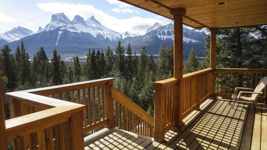 HI-Canmore/Alpine Club of Canada: View from The Boswell Cabin