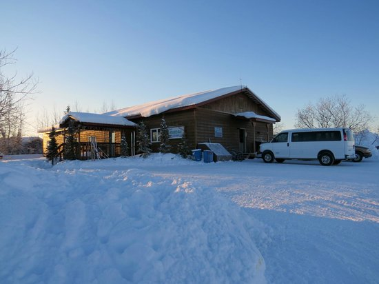 Bettles Lodge: Lodge during winter.