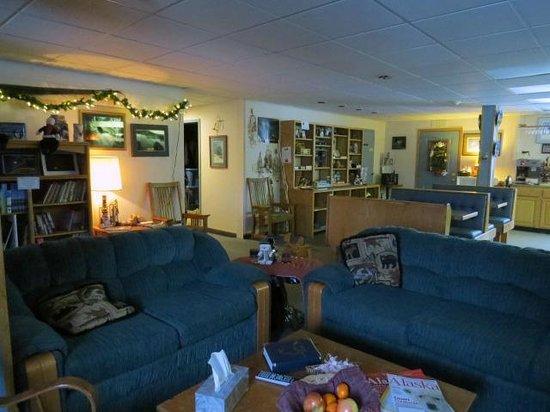 Bettles Lodge: Inside Lodge.