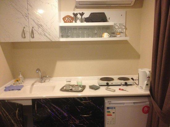 Bright Apart: la cucina, i fornelli e il frigo