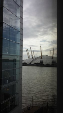 Radisson Blu Edwardian New Providence Wharf Hotel: View from room 423