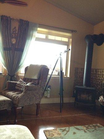 The Tuwanek Hotel: who needs a TV?