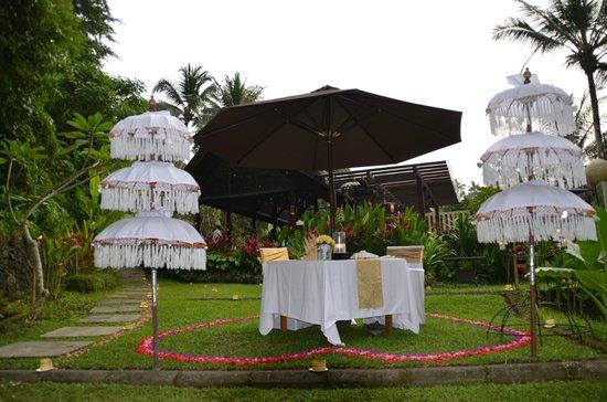 The Samaya Bali Ubud: the table for candle lit dinner
