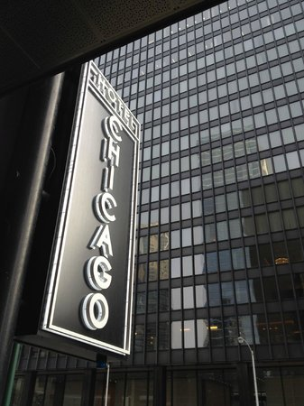 Sign at 350 n state st picture of hotel chicago downtown for All hotels downtown chicago
