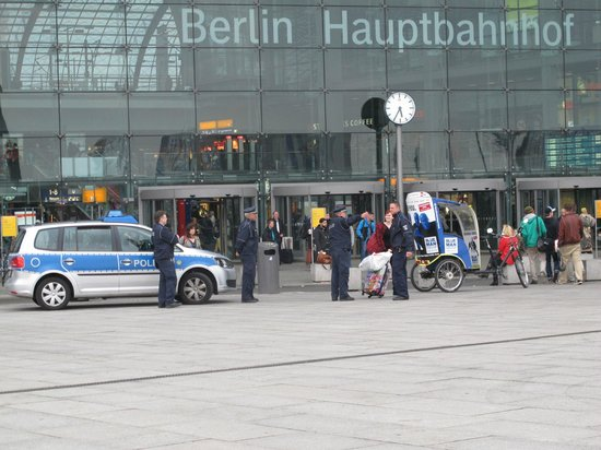 InterCityHotel Berlin Hauptbahnhof: Stasiun sentral Berlin Hauptbahnhoff