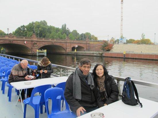 InterCityHotel Berlin Hauptbahnhof: River Cruise stop 100 meter dari Intercity Hotel