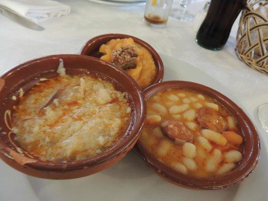 Meson El Rastro: Sopa castelhana, judías del barco e patatas revolconas