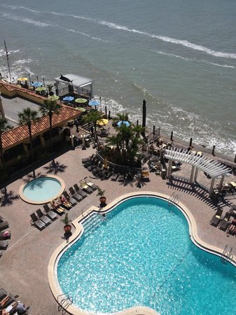 Holiday Inn Hotel & Suites Clearwater Beach: View from Gulf front room