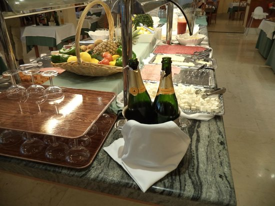 Hotel RH Princesa & Spa : Champagne Breakfast