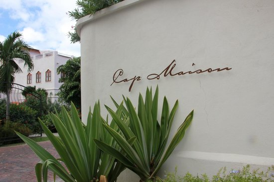 Cap Maison: entrance of the hotel