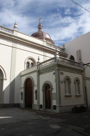 Santa Iglesia Cathedral : Seiteneingang