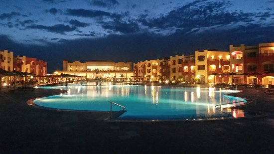 Magic Tulip Beach Resort : Tulip al tramonto