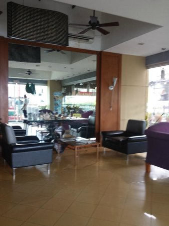 24H City Hotel: lobby