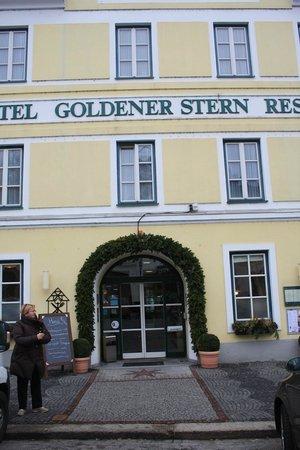 Romantik Hotel Goldener Stern: facciata hotel