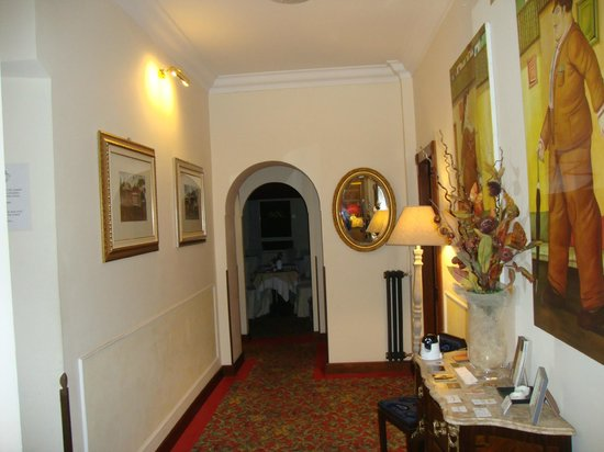 Beau Site - Antica Residenza: Flur