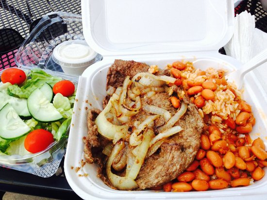 Sofrito Mama's: The Steak and Onions Lunch!