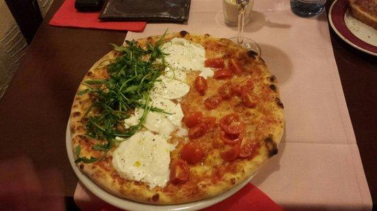 Vesuvio : pizza italya