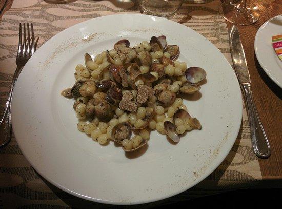 Osteria delle Commari: Gnocchi with truffled clams