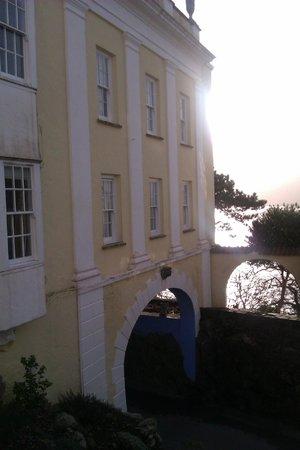 Hotel Portmeirion : The sun over Bridge House
