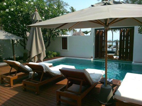 SALA Samui Choengmon Beach Resort: piscine de la suite